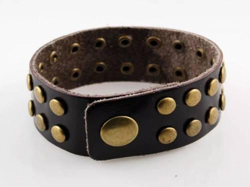 Schmuck-Armband Leder dunkelbraun mit Nieten altmessingfarben Verschluß altmessingfarben - Bandlänge ca. 19-21cm - Bild vergrößern