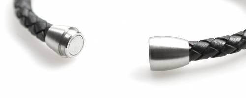 Schmuck-Armband schwarz Leder/Edelstahl Verschluß Edelstahl silberfarben von Eichmüller - Bandlänge ca. 21cm - Bild vergrößern